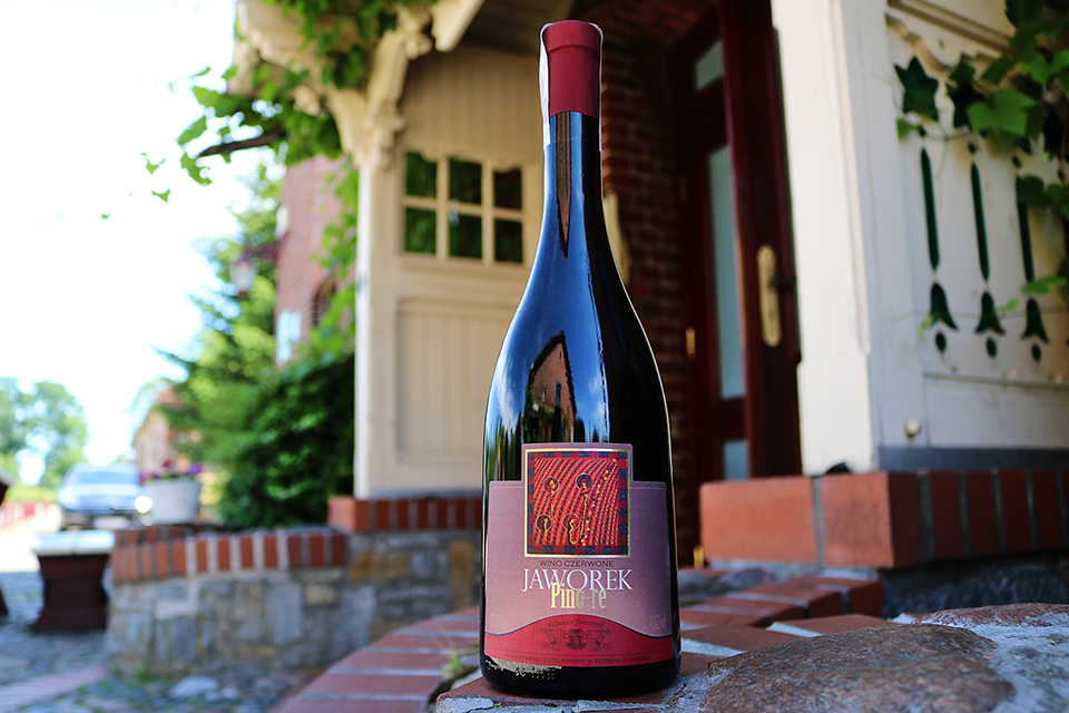 Białe wytrawne wino Jaworek Chatone rocznik 2015